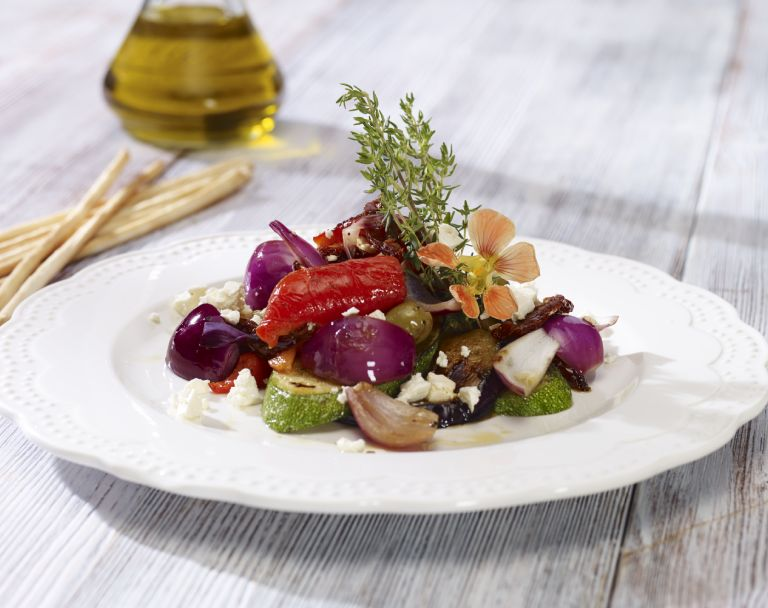 Sałatka z  warzyw pieczonych z serem feta