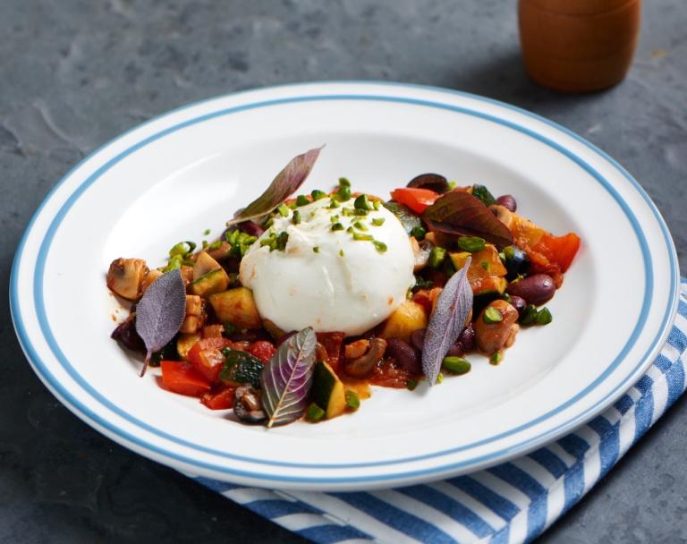 Potrawka z warzyw z serem mozzarella