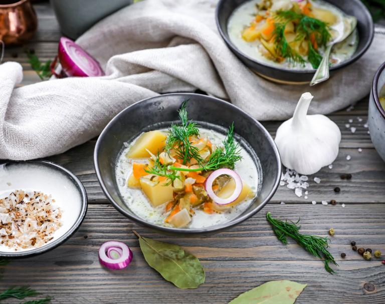 Domowa zupa ogórkowa