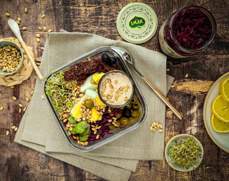 Zdrowy lunchbox z warzywami
